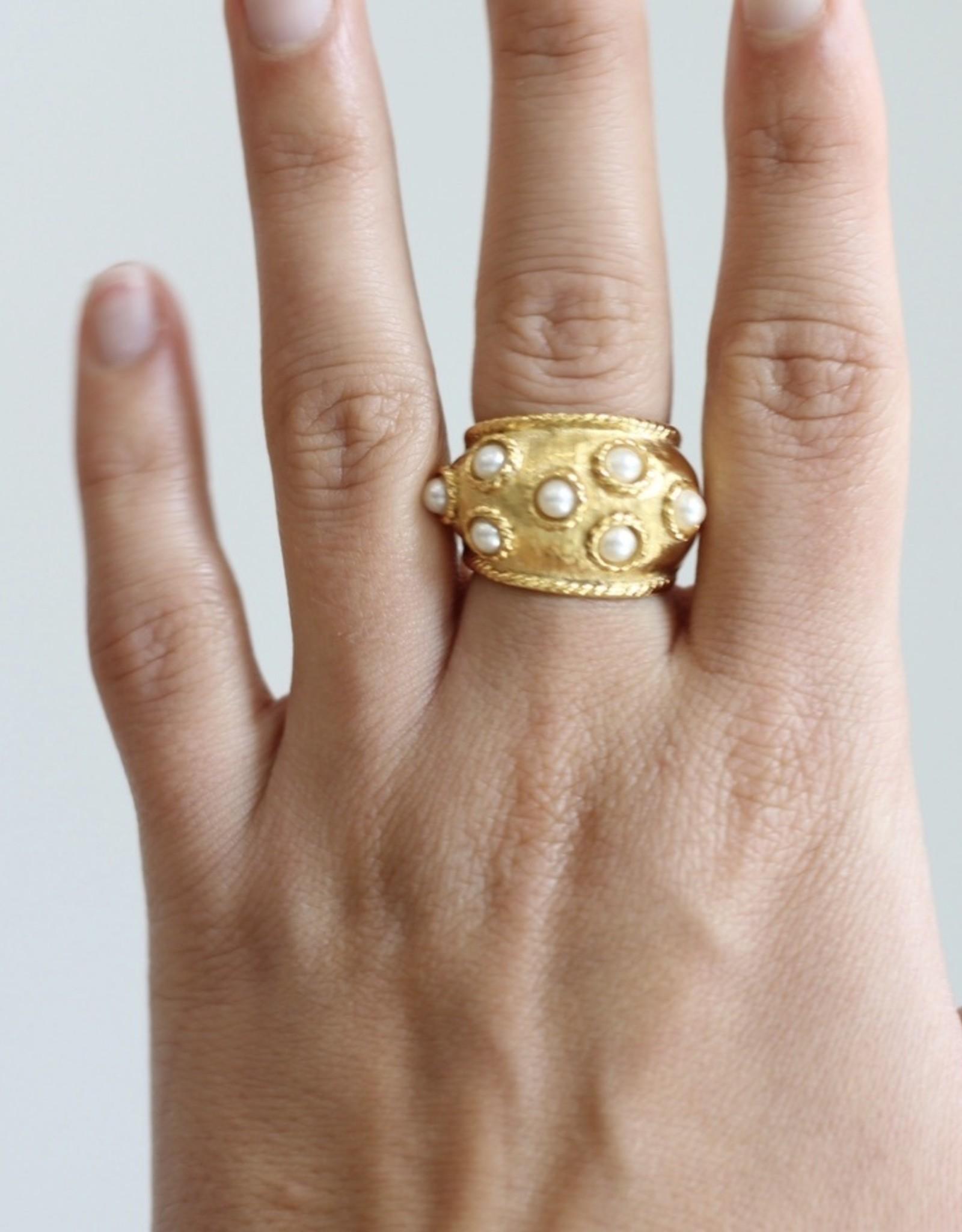 Ben-Amun 62142 X Ring Gold Pearl Heavy Ring