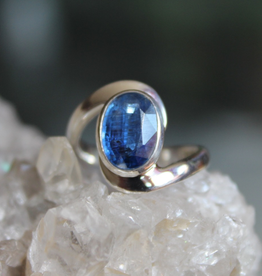 Kyanite Ring ~ Faceted Oval with curvy band
