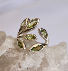Peridot Ring Leaves ~ Size 8