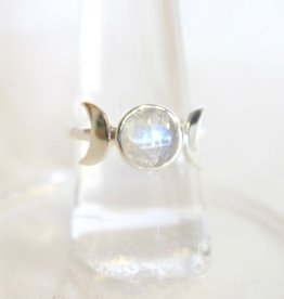 Moonstone Ring with Moonstone