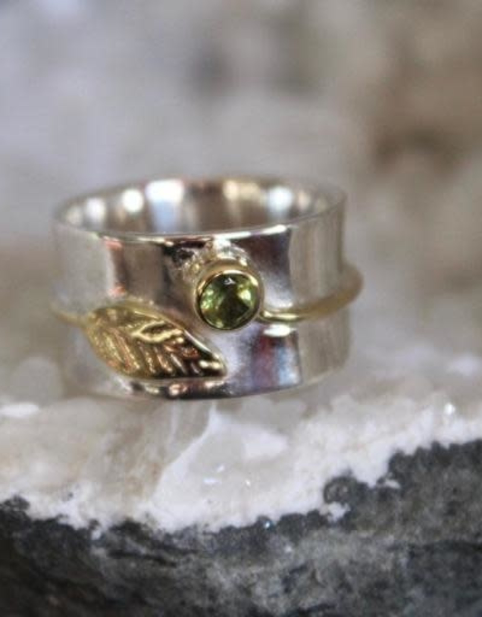 Peridot Ring w/ Leaf ~ Size 8