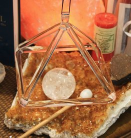 Quartz Tuning Pyramid with striker for powerful attunement