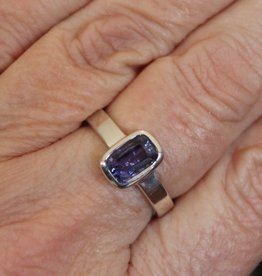 Tanzanite Ring for spiritual guidance