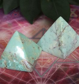 Chrysoprase Pyramids for elevating peace