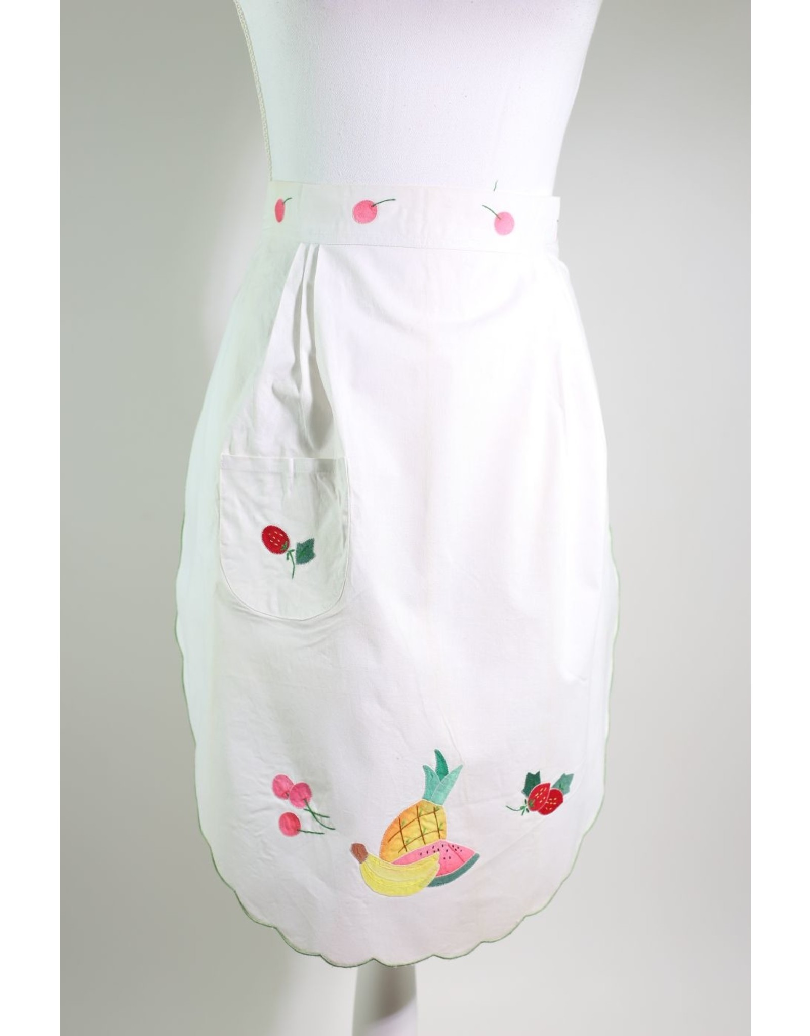 1960's Crisp White Fruit Apron
