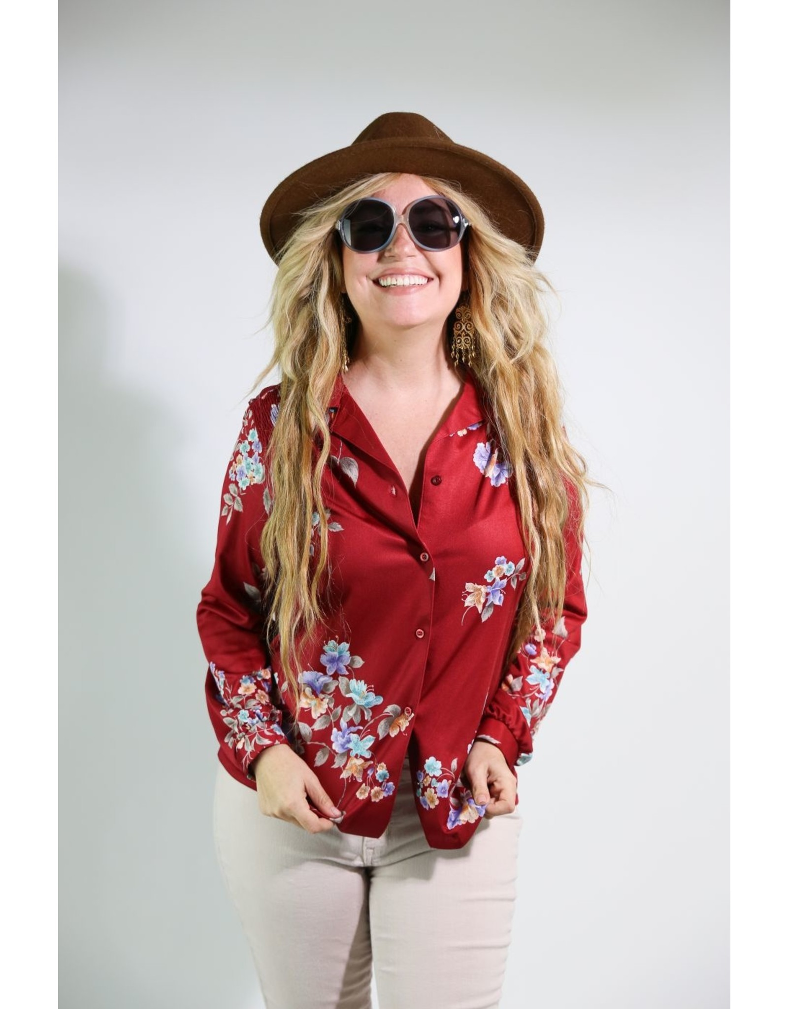 1970's Maroon Top With Flowers