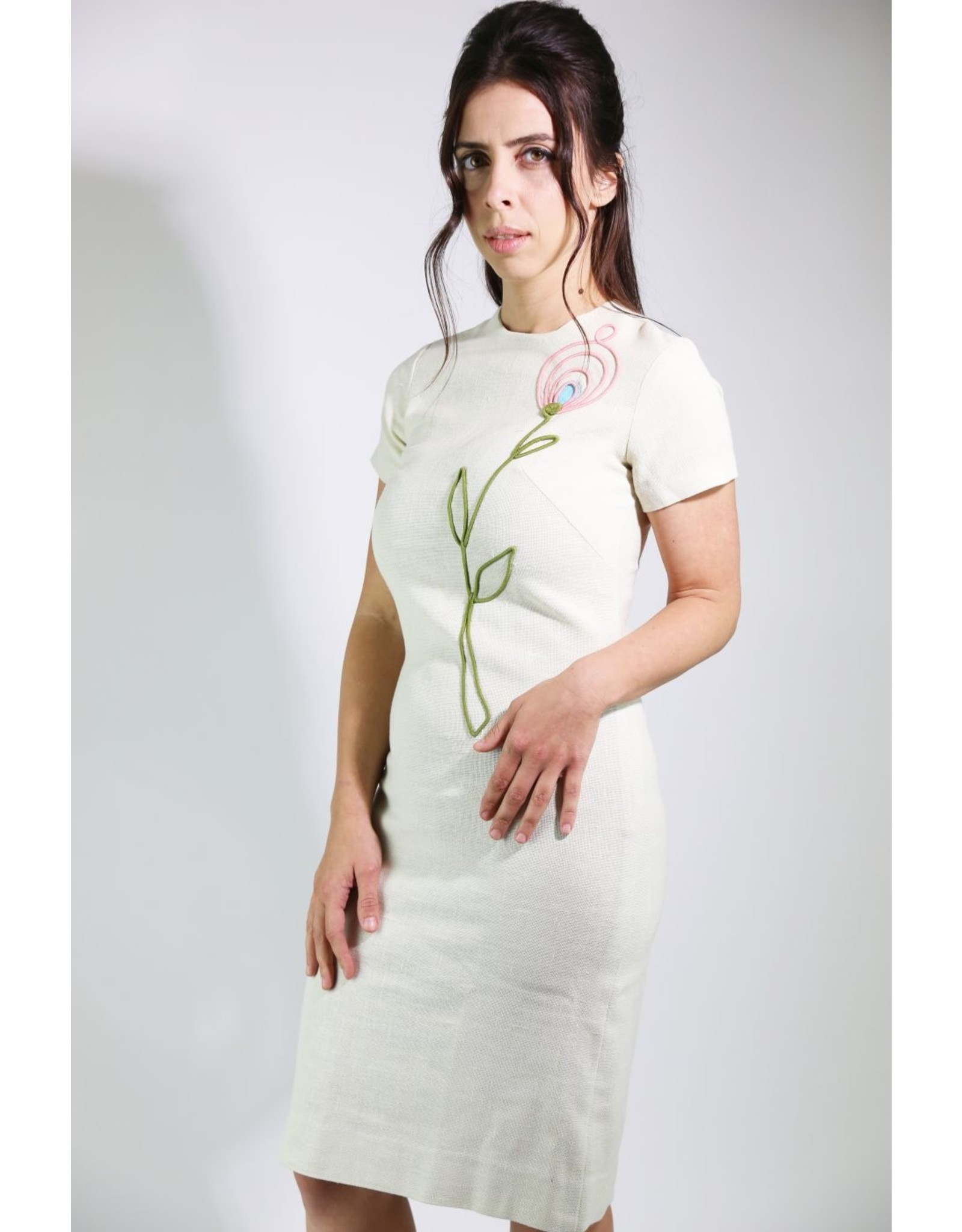 1960's Ivory Shift Dress w/ Mod Flower Decal
