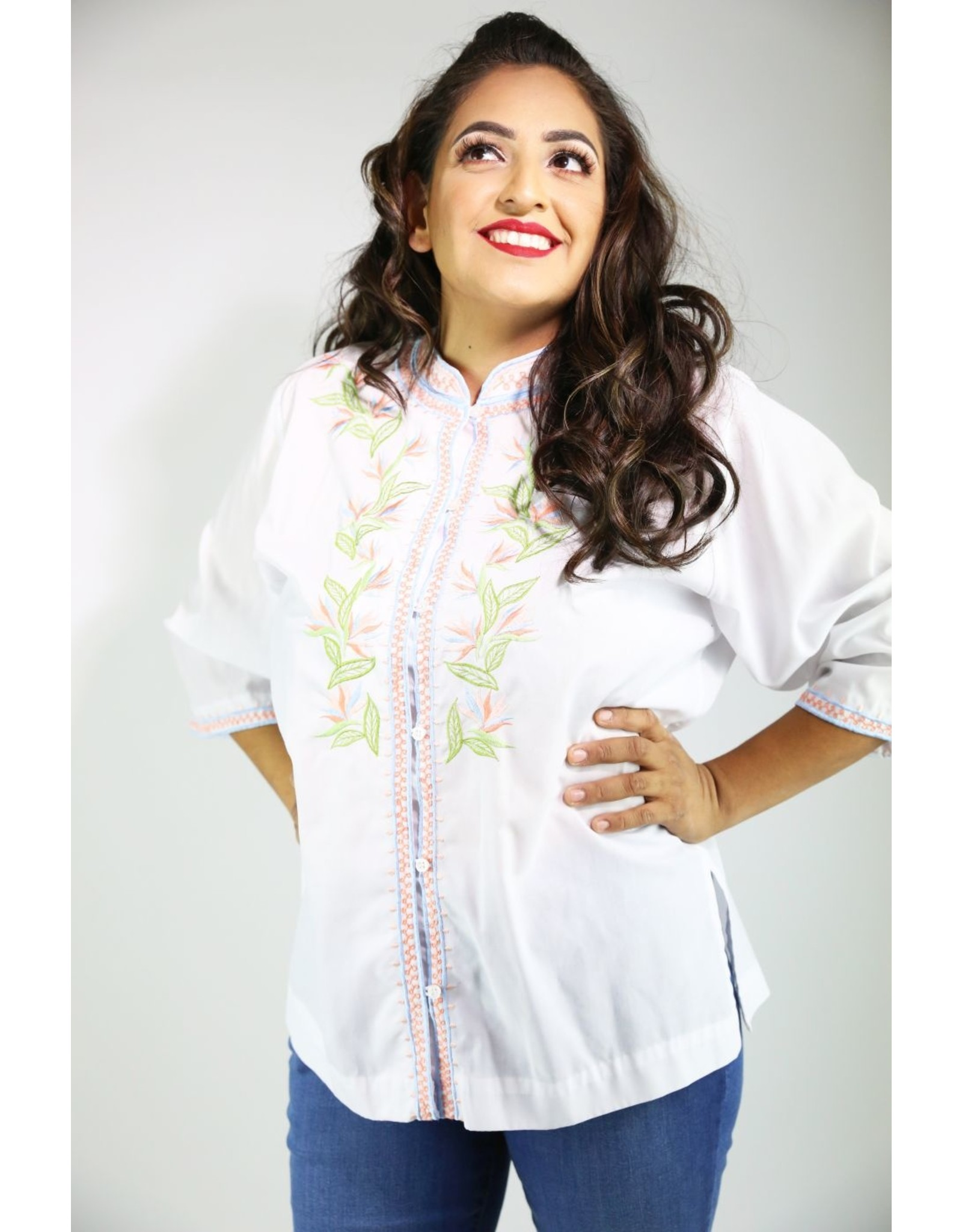 1980's Plus Size White Top w/ Embroidery
