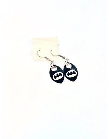 Split Infinity Super Hero Scale Earrings - Batman (Black)