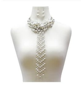 USJ Oversized Pearl Cluster Choker Necklace With Pearl Linear Fringe