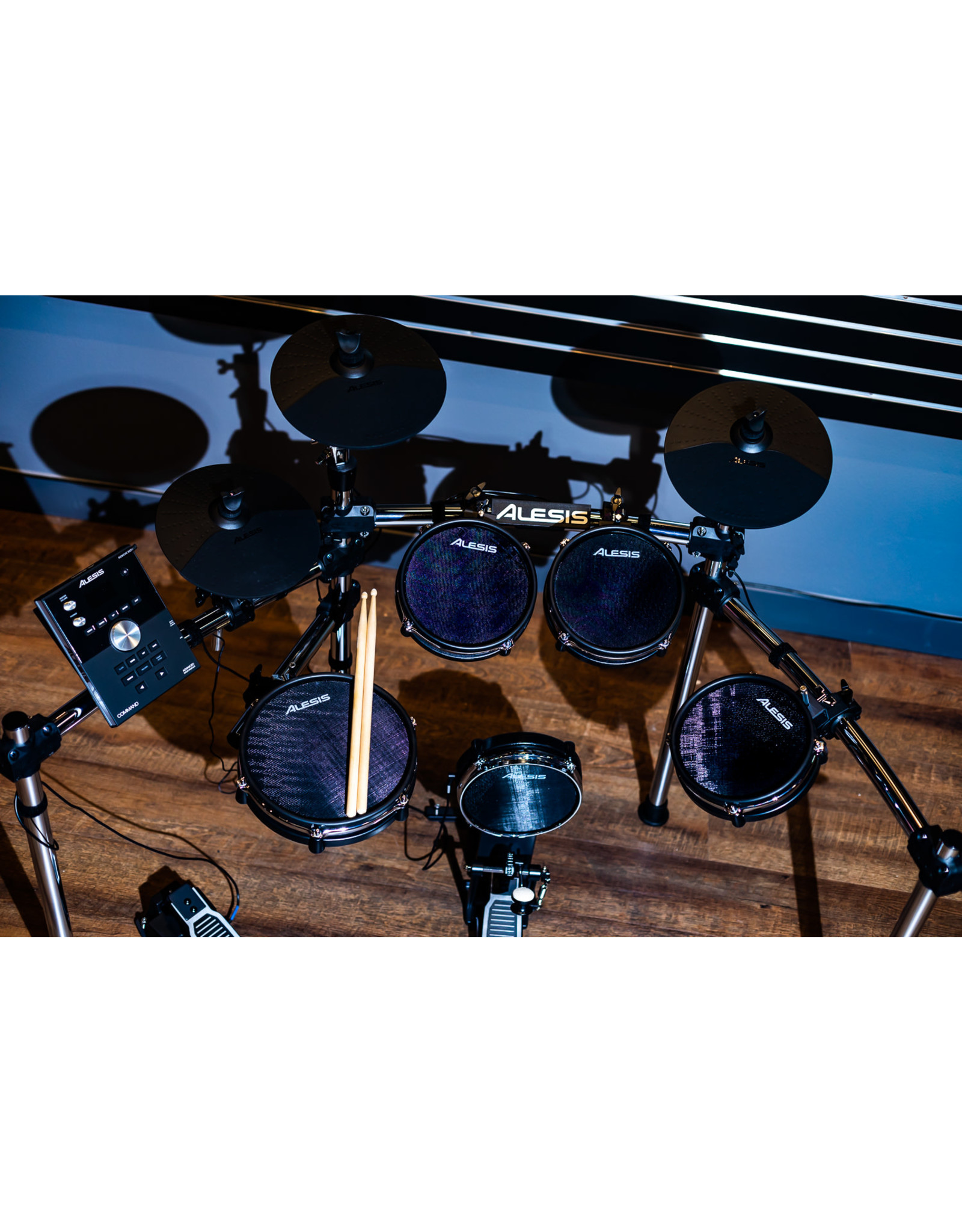 ALESIS Alesis Command Mesh Kit Electronic Drum Set