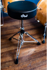 DW DW 3000 Series Round Throne