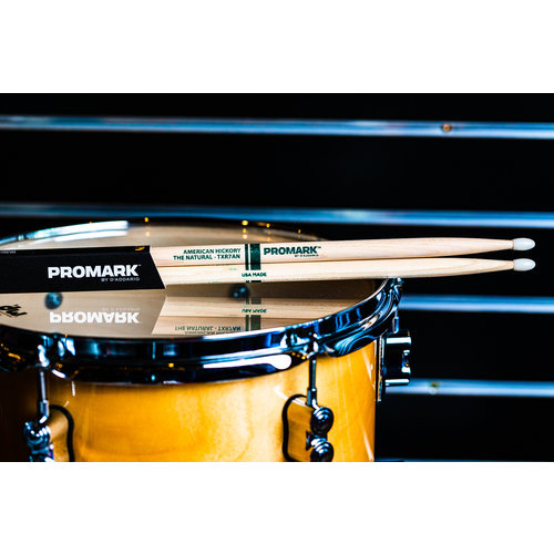 Promark Promark Classic Natural Hickory 7A Nylon Tip Drum Sticks