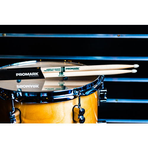 Promark Promark Classic Natural Hickory 5A Nylon Tip Drum Sticks