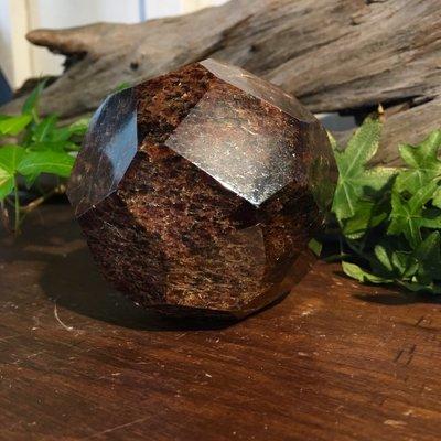 Garnet Polished Octagonal Sphere
