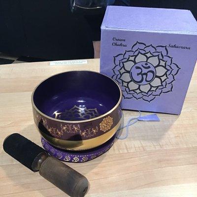 Crown Chakra Singing Bowl Box Set