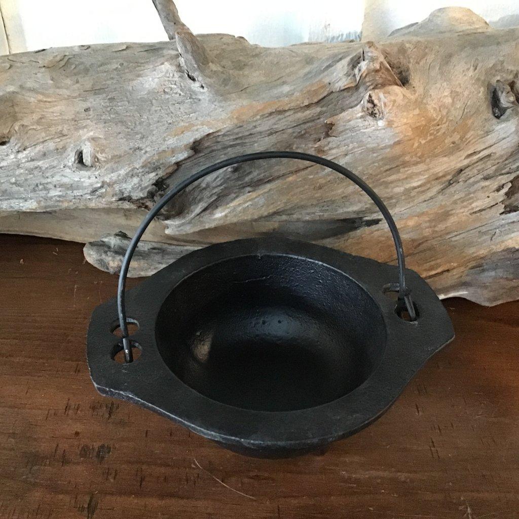 Cauldron Pot with Handle