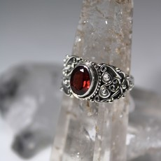 Garnet Antique Wide Band Silver Ring Size 8