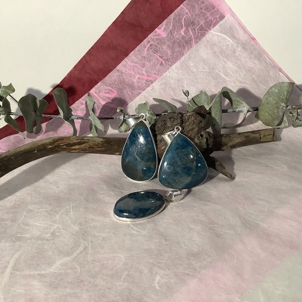 Apatite Silver Plated Pendant