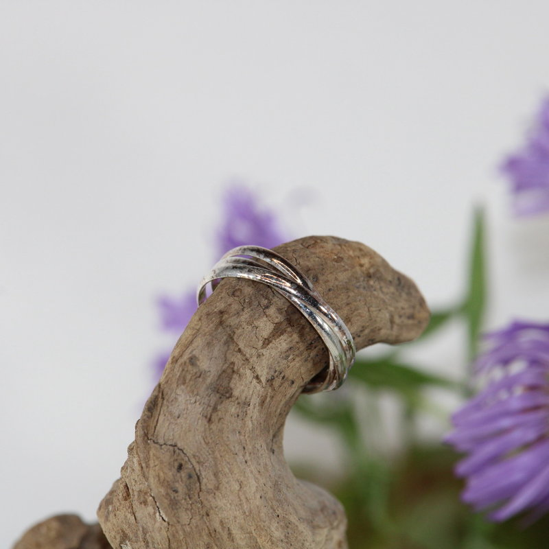 Three Linked Bands Silver Ring Size 5