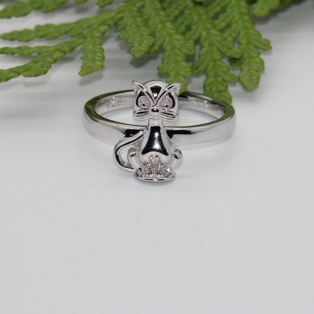 Sitting Cat with Face Silver Ring Size 7