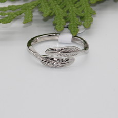 Feathers Silver Ring Size 4