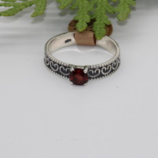 Garnet with Scrollwork Band Silver Ring Size 8