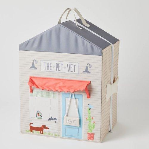 Jiggle & Giggle The Pet Vet Zip Up Play House