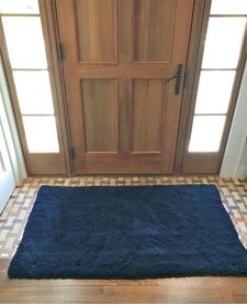 "Soggy Doggy Doormat Navy 26""x36"""