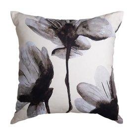 Floryn Cushion Ivory/Black