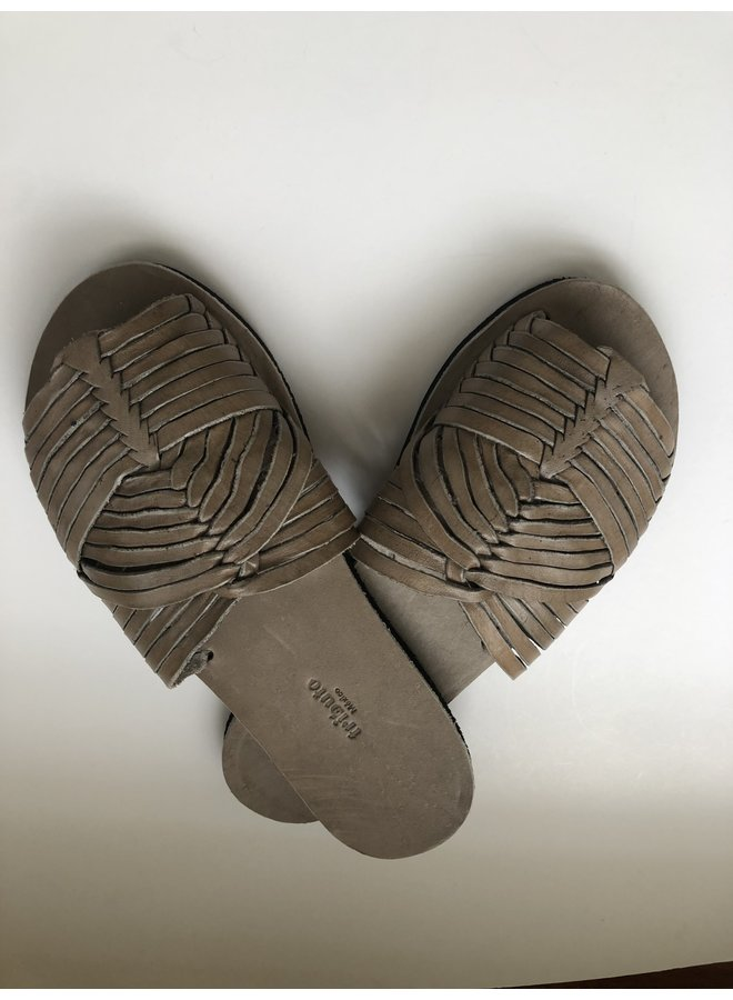 Huarache Sandal in Gray