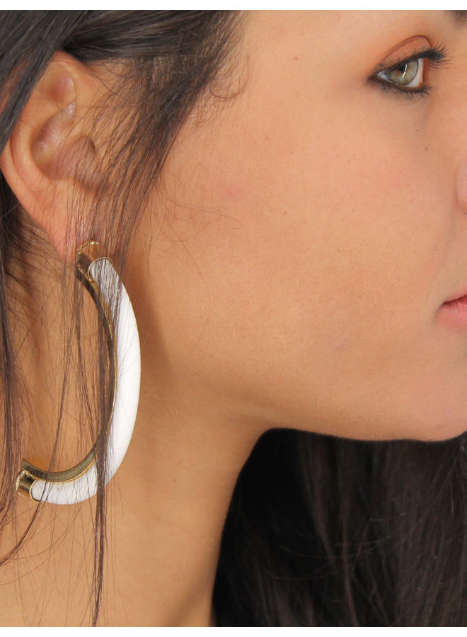 Jonger Earrings