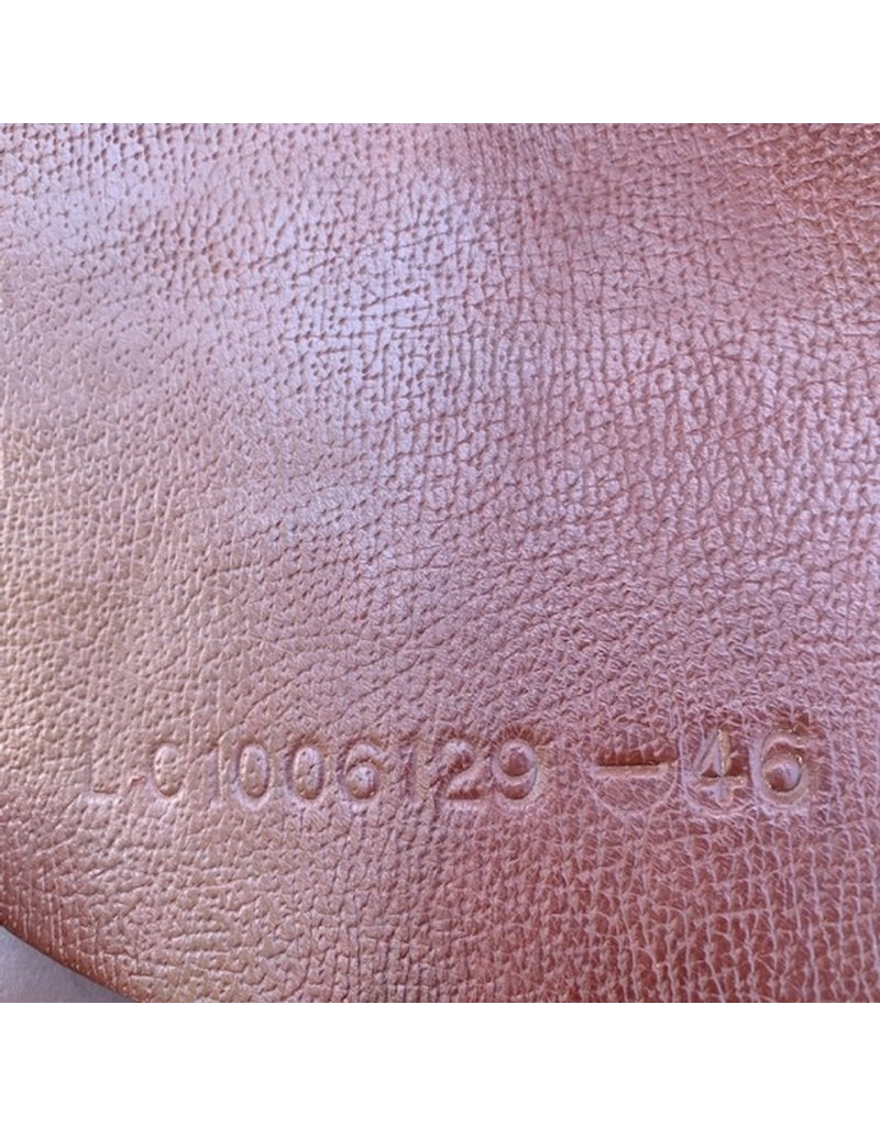"Collegiate Convertible Close Contact 18"" Seat (Reg Tree Installed)"