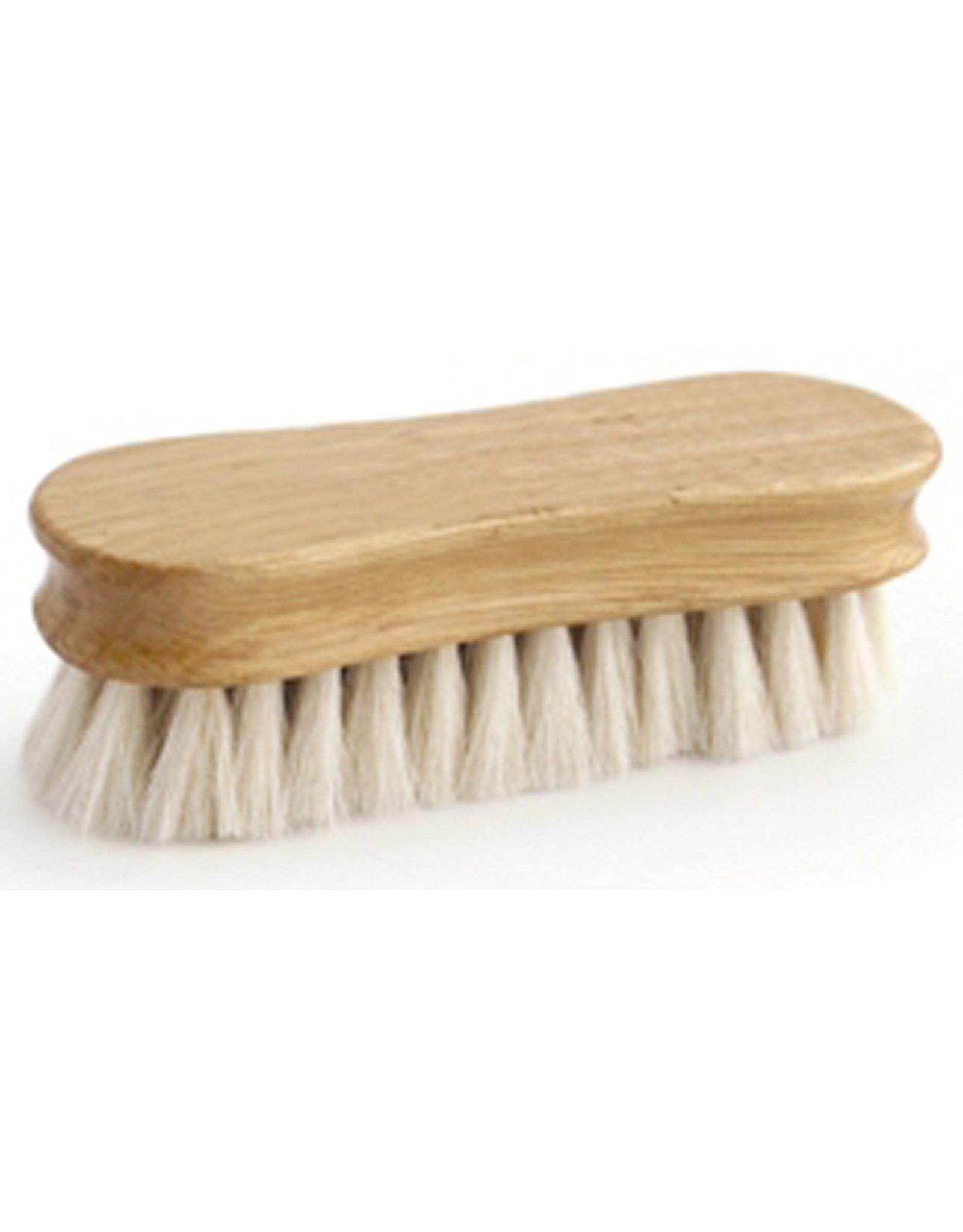 Legends™ #2287 Soft White Goat Hair Peanut-Shaped Face Brush