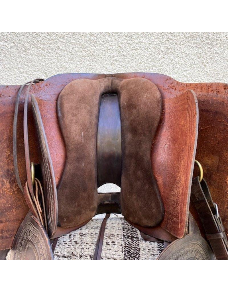 Peruvian Saddle with Wool Pad and Tapaderos
