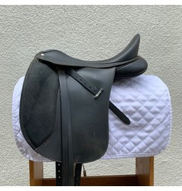 "Wintec 500 Dressage 18"" XCH Wide installed w/ syn leathers and flex irons"