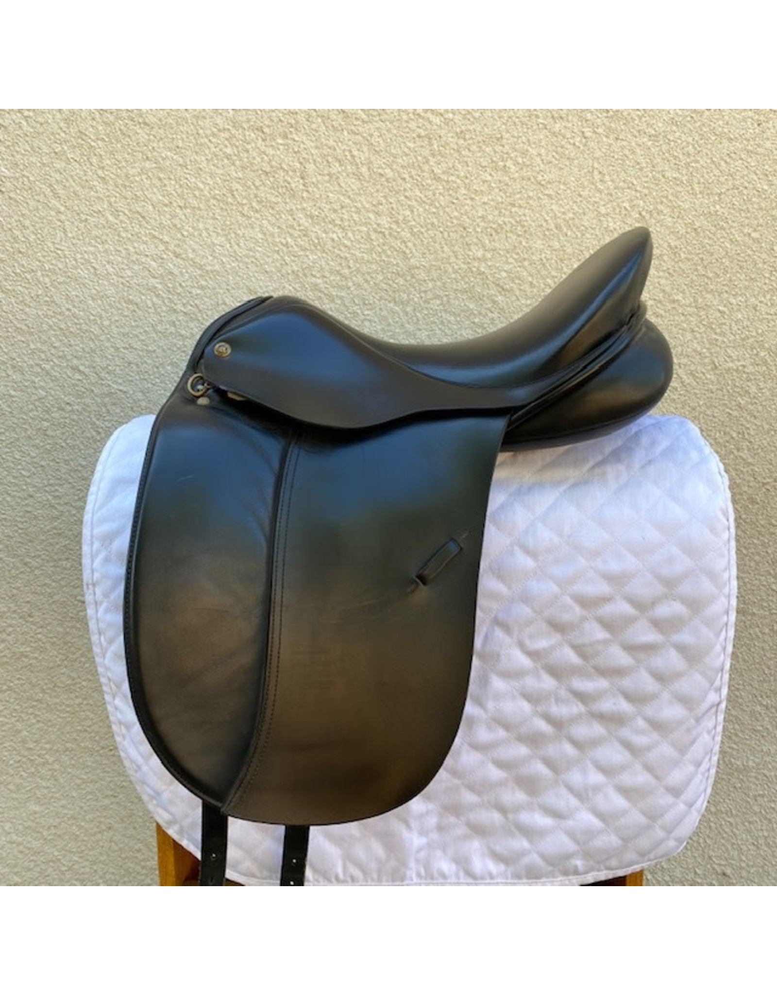 "Wychanger Barton Dressage Saddle 18.5"" Medium Wide Tree (stamped)"