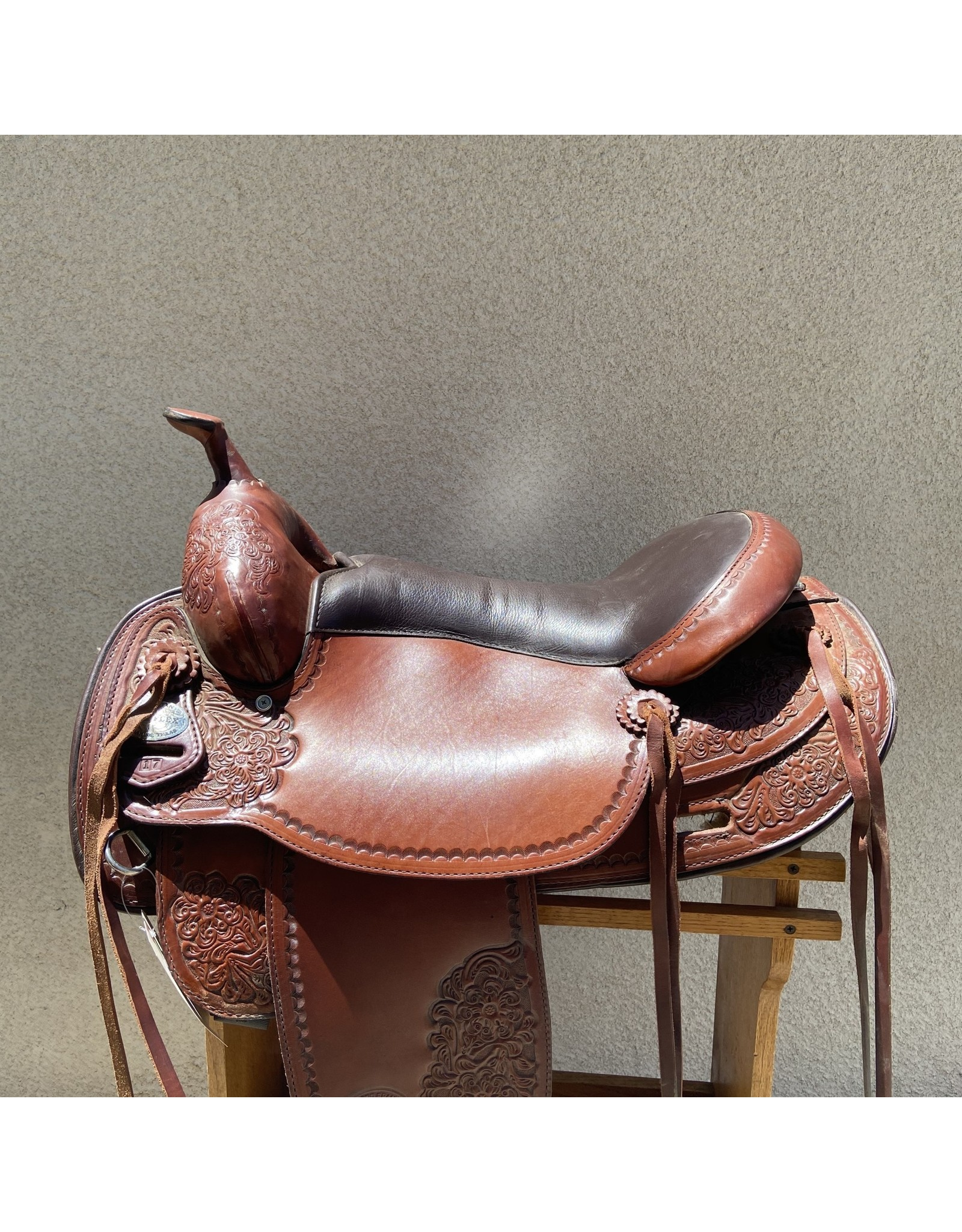 "TexTan Flex Tree Trail Saddle 17"" Full Quarter Horse Bars"