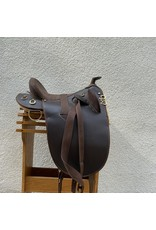 """Australian Saddle w/ Horn and Synthetic Material 17"""" Seat Wide Tree"""