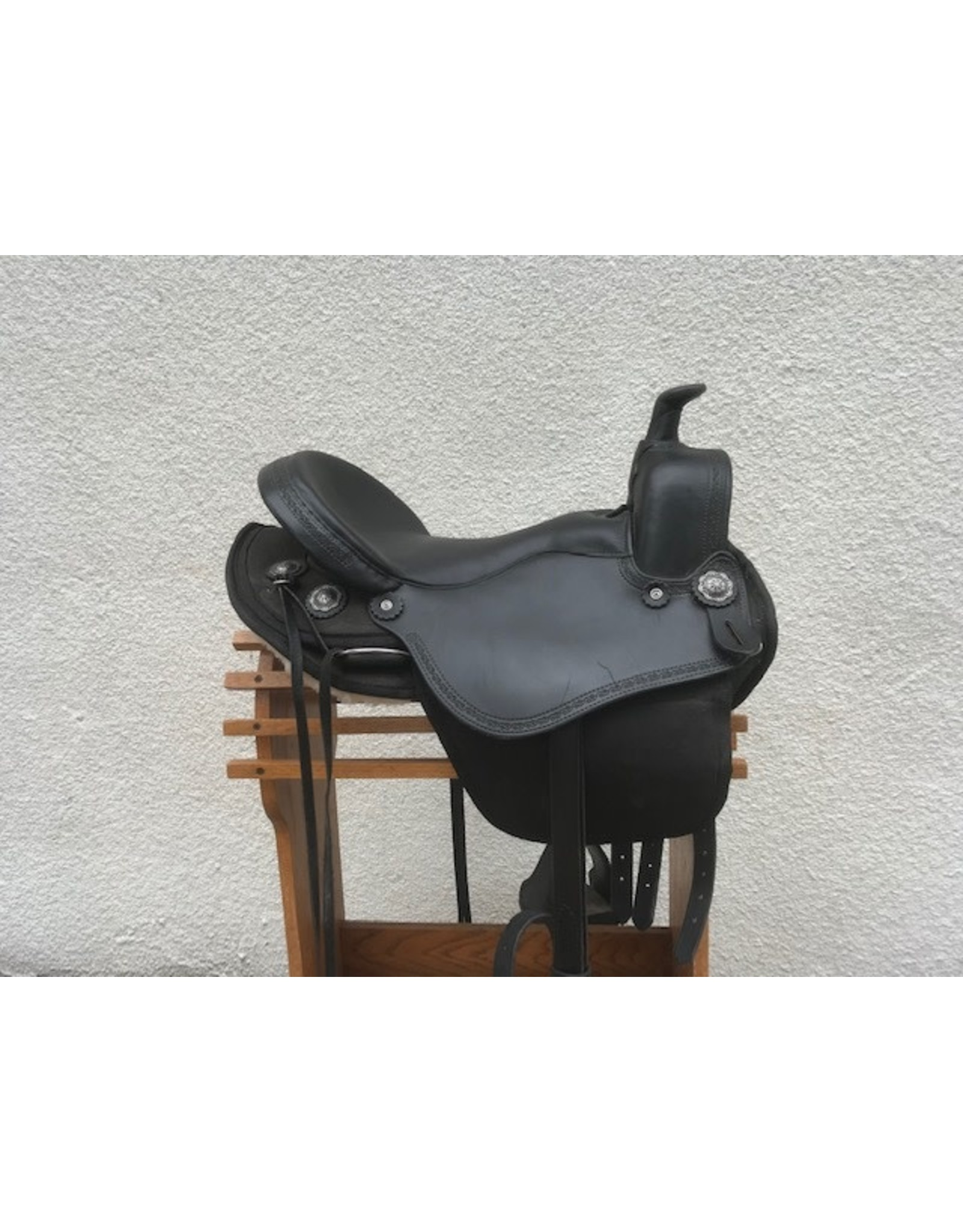 "Crest Ridge Gaited Saddle 16.5"" FGHB w/BreastCollar"