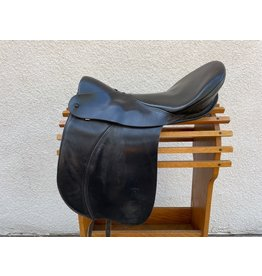 "Ansur Treeless Dressage Saddle 19"""