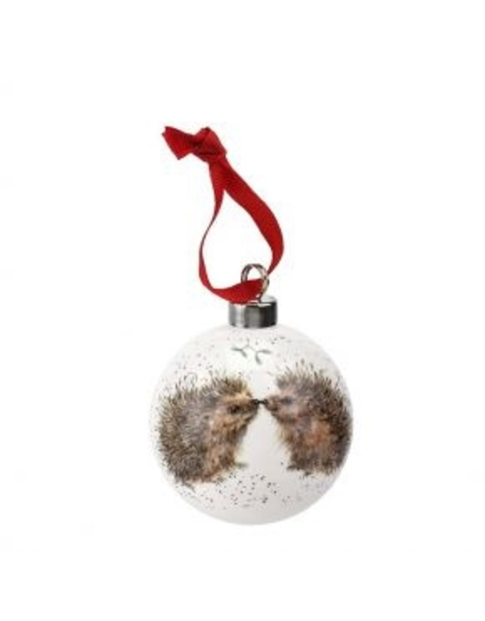 """Wrendale Designs Christmas baulbe 2.75"""" - Hedgehugs"""