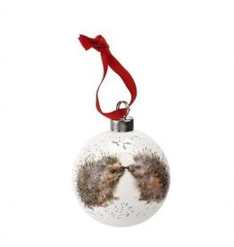 "Wrendale Designs Christmas baulbe 2.75"" - Hedgehugs"