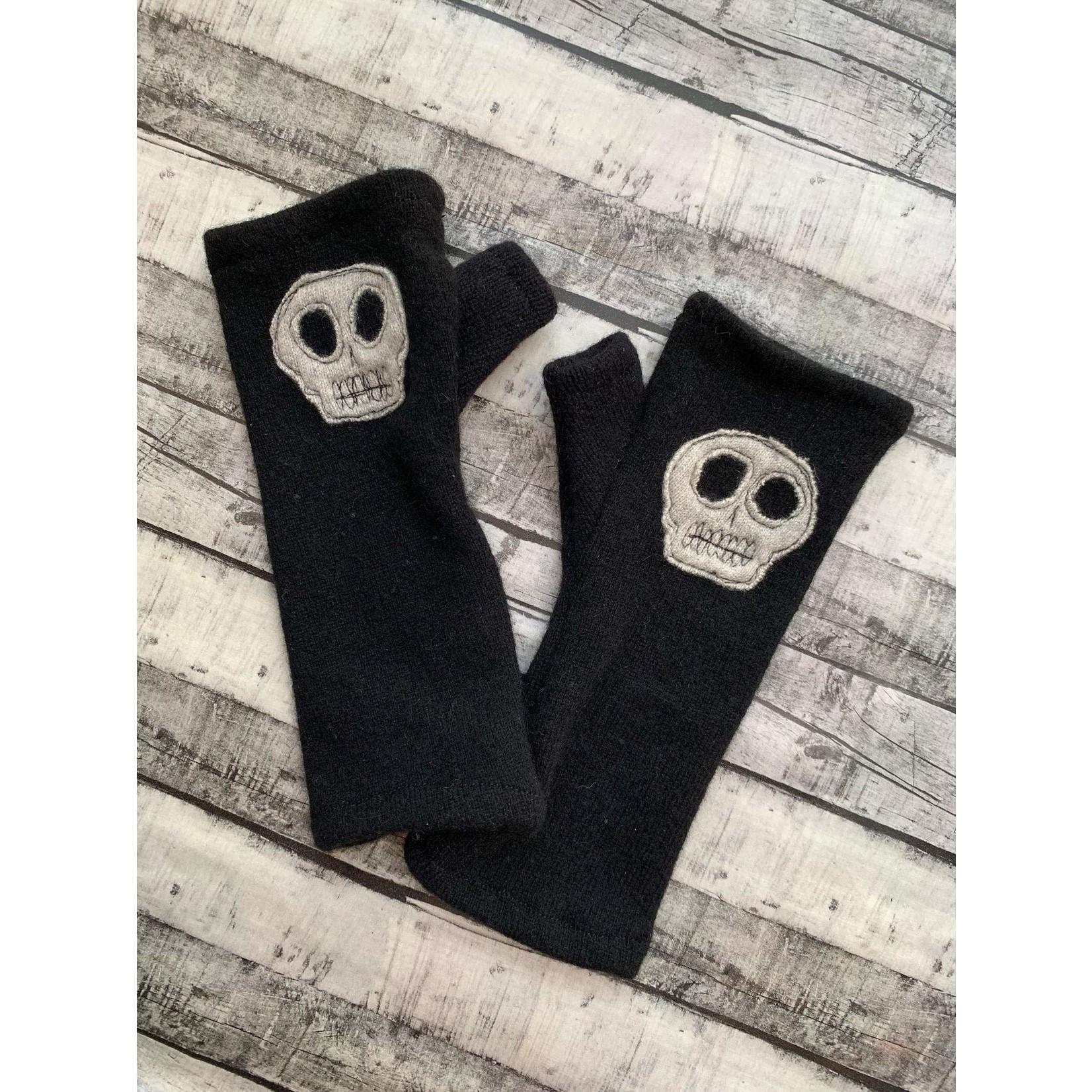 Cashmere fingerless gloves - Black With Skulls