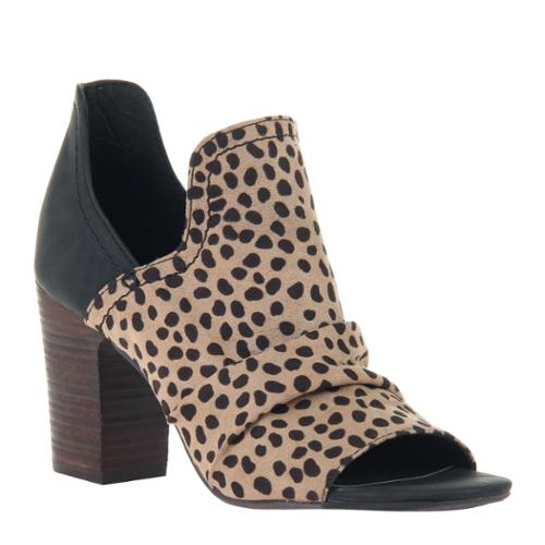 Consolidated Shoe Co. Fleek heeled sandal