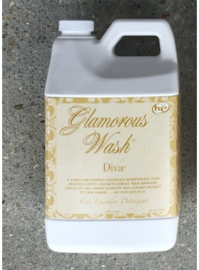 Tyler Candles 1/2 gallon Glamorous Diva wash