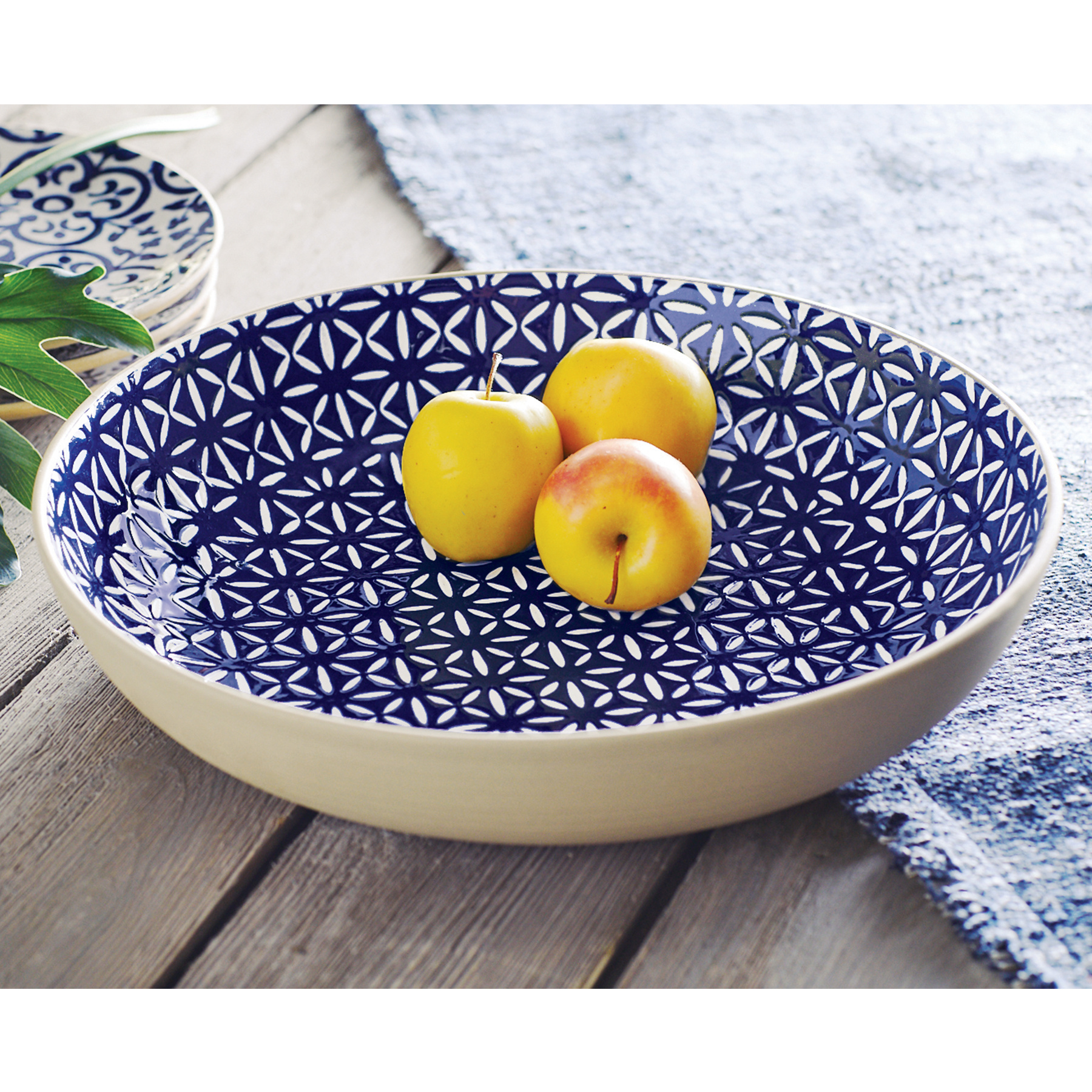 Mud Pie Blue serving bowl