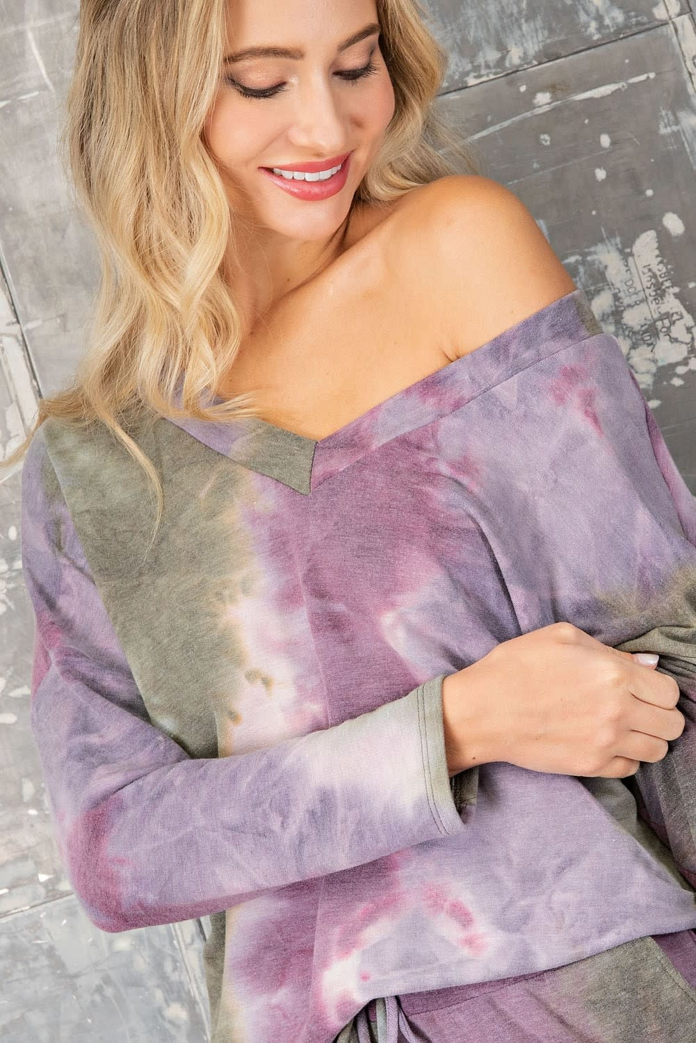 eesome usa Tie Dye Long Sleeve V Neck Top