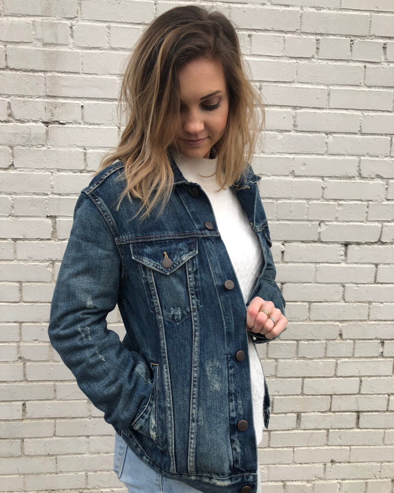 The Jacket Fit: ABLE's denim jacket has slightly dropped shoulder, slim arms, a relaxed body, and waist pockets that make this style ultra wearable.