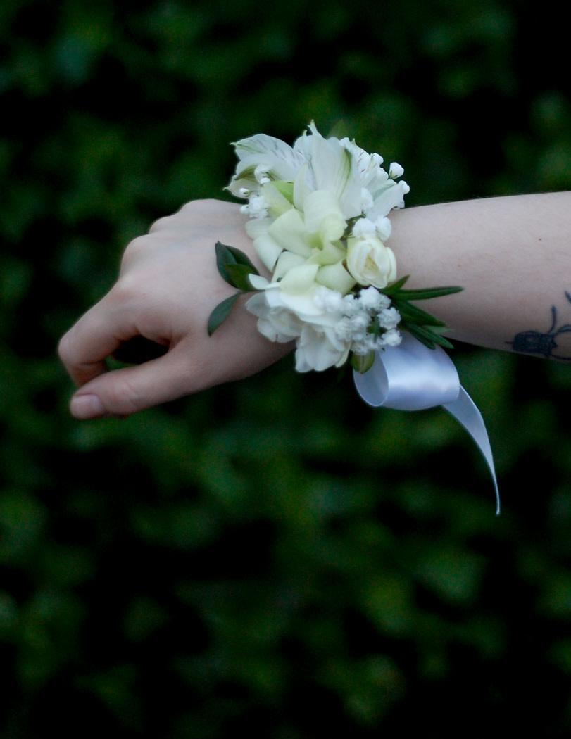 Soft White Corsage-1